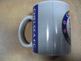 FC Chelsea, porcelánová šálka s uškom, objemom cca. 0,33L