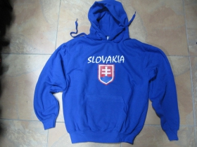 Slovensko - Slovakia kráľovská(Royal) modrá mikina s kapucou stiahnutelnou šnúrkami a klokankovým vreckom vpredu