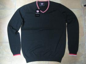 Warrior Clothing, čierny sveter 100%bavlna