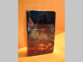 Avenged Sevenfold, doplňovací benzínový zapalovač s vypalovaným obrázkom (balené v darčekovej krabičke)