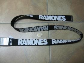 Ramones  čierny hrubý látkový opasok so zapínaním na posuvnú kovovú pracku, univerzálna nastaviteľná dĺžka, šírka 37mm