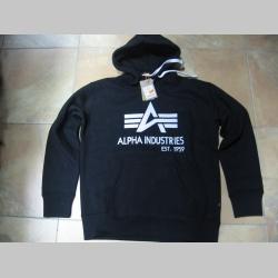Alpha Industries, hrubá čierna mikina s kapucou a tlačeným logom s klokankovým vačkom 80%bavlna 20%polyester