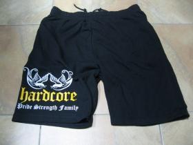Hardcore - Pride, Strength, Family čierne teplákové kraťasy s tlačeným logom