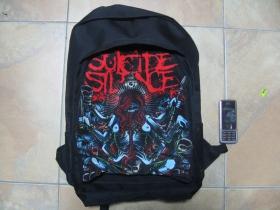Suicide Silence, ruksak čierny, 100% polyester. Rozmery: Výška 42 cm, šírka 34 cm, hĺbka až 22 cm pri plnom obsahu