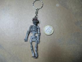 smrtka - kostra kľúčenka s kovovým krúžkom