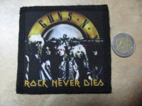 Guns n Roses ofsetová nášivka po krajoch obšívaná cca. 9x9cm