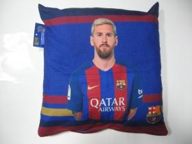 FC Barcelona Lionel Messi vankúš rozmery cca. 40x40cm materiál povrch 100%bavlna, materiál vnútro 100%polyester