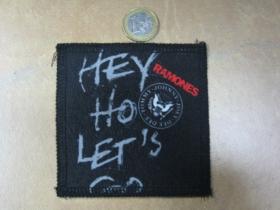 Ramones ofsetová nášivka po krajoch obšívaná cca. 9x9cm