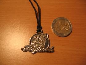 Nightwish, kovový chrómovaný prívesok na krk na šnúrke s kovovým zapínaním