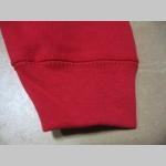 červená hrubá mikina na zips s kapucou stiahnuteľnou šnúrkami