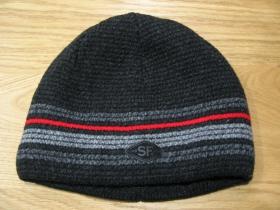 Ultra hrubá zimná čiapka čierna s červenošedým pruhovaním material 100% akryl  univerzálna veľkosť  vo vnútri naviac zateplená!!!