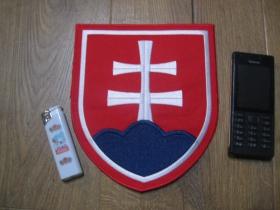 Slovensko - Slovakia veľká chrbtová nažehľovacia nášivka vyšívaná (možnosť nažehliť alebo našiť na odev) cca. 20x17cm
