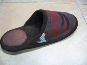 hrubé kvalitné papuče farba metro, materiál 65%polyester, 35%bavlna, futro vo vnútri flauš