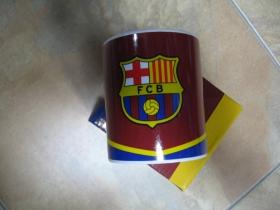 FC Barcelona porcelánový pohár ( šálka ) s uškom, objemom cca. 0,33L