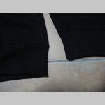 Knightsbridge London čierna mikina na zips s kapucou stiahnuteľnou šnúrkou, vnútri kapucne podšívka so vzorom škótske káro TARTAN
