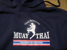 Thaiboxing - Muay Thai THE SPIRIT OF FIGHTING mikina s kapucou stiahnutelnou šnúrkami a klokankovým vreckom vpredu - obojstranná potlač!!!