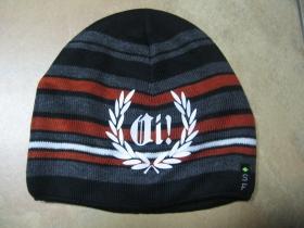 Oi! venček, hrubá zimná čiapka s tlačeným logom, materiál 100%akryl univerzálna veľkosť farba čierna s šedo-bielo-oranžovými pruhmi