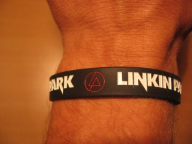 Linkin Park, pružný gumenný náramok s vyrazeným motívom