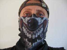 SKULL - smrtka, univerzálna elastická multifunkčná šatka vhodná na prekritie úst a nosa aj na turistiku pre chladenie krku v horúcom počasí