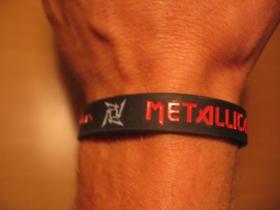 Metallica, pružný gumenný náramok s vyrazeným motívom