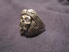 Iron Maiden, Prsteň lebka zliatinový, požadovaný priemer, alebo vnútorný obvod v milimetroch napíšte na konci objednávky do rubriky KOMENTÁR)