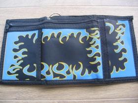 čierna pevná textilná peňaženka s retiazkou a karabínkou