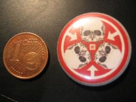 Lebky - Skulls  plechový klasický odznak s priemerom 25mm