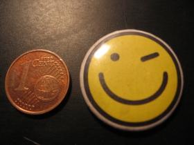 smile - smajlík plechový klasický odznak s priemerom 25mm