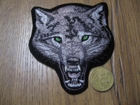Vlk - väčšia nažehľovacia nášivka vyšívaná (možnosť nažehliť alebo našiť na odev) cca. 10,5 x 9,5cm
