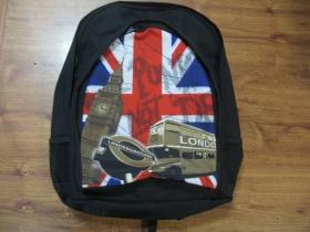 Punks not dead ruksak čierny, 100% polyester. Rozmery: Výška 42 cm, šírka 34 cm, hĺbka až 22 cm pri plnom obsahu
