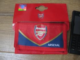 Arsenal London, pevná textilná peňaženka zapínanie na suchý zips, rozmery po uzatvorení cca. 7x12cm