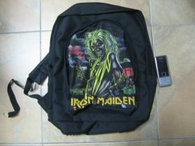 Iron Maiden  ruksak čierny, 100% polyester. Rozmery: Výška 42 cm, šírka 34 cm, hĺbka až 22 cm pri plnom obsahu