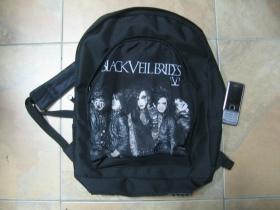Black Veil Brides ruksak čierny, 100% polyester. Rozmery: Výška 42 cm, šírka 34 cm, hĺbka až 22 cm pri plnom obsahu