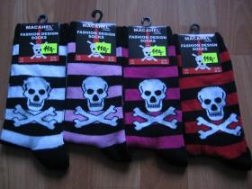 Ponožky krátke, dámske 72%bavlna 26%polyamid 2%elastan univerzálna veľkosť.