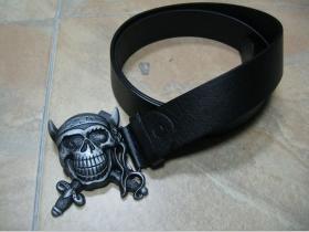 Opasok s prackou pirátskej lebky