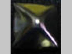 Pyramídka veľká, chrómovaný plechový cvok na vybíjanie rozmery cca. 16x16mm (cena za 1ks)