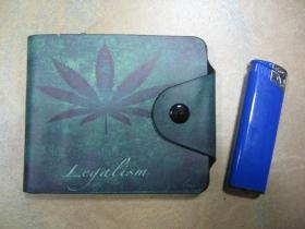 """"""" GANJA """" peňaženka so zapínaním na cvok, materiál: syntetická koža"""