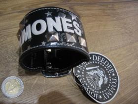 Ramones čierny kožený vybíjaný náramok, so zapínaním na kovovú pracku, nastaviteľná veľkosť