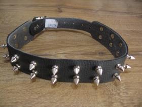 """kožený """" obojok """" na krk vybíjaný kovovými ostňani, 2. radový nastaviteľná veľkosť, zapínanie na kovovú pracku"""